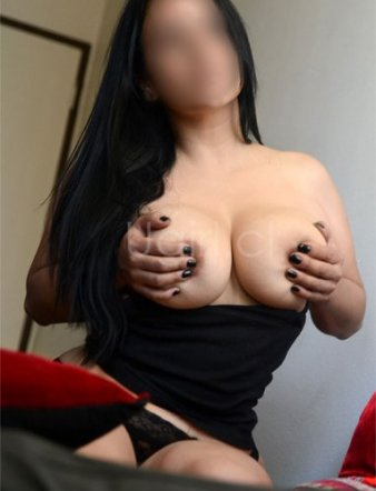 Ana-Maria-UG-561x881-03