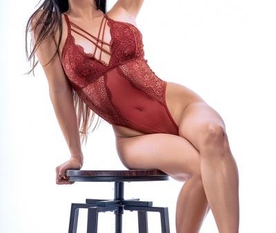 Amanda-01-SR-V-561x8812