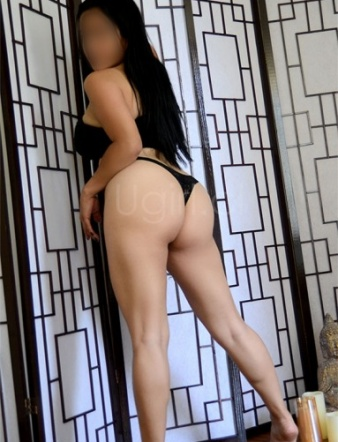 Ana-Maria-UG-561x881-02